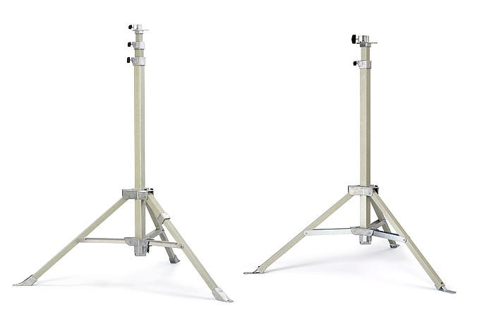 Light balloon: Two tripods